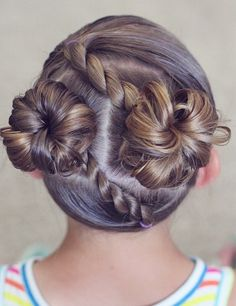 Penteados infantis children hairstyles 33 Ideas hairstyles for children with long hair WeddiSemi braided hairstyle for children. # HairstylesWedding hairstyles for children rolls trendy ideas Girls Hairdos, Baby Girl Hairstyles, Princess Hairstyles, Hairstyles For School, Pretty Hairstyles, Braided Hairstyles, Short Hairstyles, Short Haircuts, Teenage Hairstyles