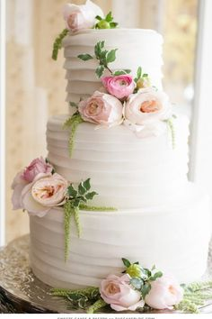 Wedding Cakes Romantic Floral Wedding Cake - Lori Kennedy Photography - Romantic brides rejoice and enjoy this curated collection of Romantic Floral Wedding Cakes. they are simply breathtaking! Floral Wedding Cakes, Elegant Wedding Cakes, Wedding Cakes With Flowers, Floral Cake, Beautiful Wedding Cakes, Wedding Cake Designs, Beautiful Cakes, Flower Cakes, Wedding Cupcakes