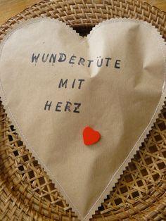 Wundertüte mit Herz & Rubbellos von Der AtelierLaden by Annette Diepolder auf DaWanda.com