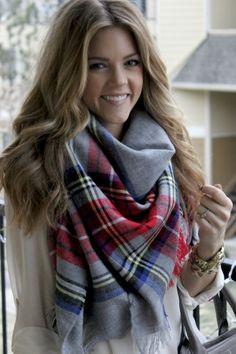 Comment faire noeud foulard femme ?