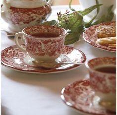 """El decorado """"Rosa"""" es el más clásico de la  Cartuja de Sevilla y constituye una fiel reproducción de las primitivas planchas grabadas sobre cobre que se trajeron de Inglaterra en 1841."""