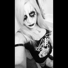 Metal Girl, Pin Up Girls, Black Metal, Halloween Face Makeup, Goth, Punk, Alternative, Gothic, Goth Subculture