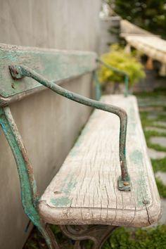 Love this garden bench.