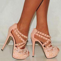 Loveeeee these peach shoes