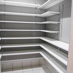 家族の、玄関/入り口/シューズクローク玄関/入り口/シューズクローク/注文住宅/造作/シンプルモダンについてのインテリア実例。 「シューズクロークはコ...」 (2018-06-09 22:20:31に共有されました) Alcove, Blinds, Bathtub, Curtains, Bathroom, Home Decor, Standing Bath, Washroom, Bath Tub