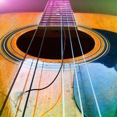 17. Something you don't like #photoadayapril Broken #string #guitar