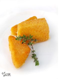 Cascaval pane / fried cheese Romanian recipes, browser will translate to English