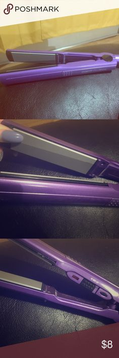 NWOT- Conair ProShine Flat Iron NWOT- Conair ProShine Flatiron-Purple 😈💅🏼👩🏼🎤💁🏼💁🏻🙆🏻🦄 Nice little first timer straightener!! Nothing fancy but it gets the job done! It doesn't get scolding hot! Just right 👌🏼 Excellent condition & 💯 functional!! Bundle & Save!! 😊❤ Conair Accessories Hair Accessories