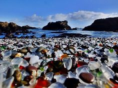 10 wonderful and breathtaking places in the world. Here: Glass Beach, California