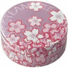 Whispering Blossom is a tin for all women, a little something to say thank you where ever your special girl is in the world.  #Beauty  #Vegan  #natural  #STEAMCREAM  #Moisturiser  #blossom