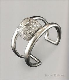 Suzanne Belperron Platinum and diamond bracelet for Bernard Herz 1936