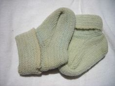How to Sew the Sole on a Knitted Slipper Sock thumbnail