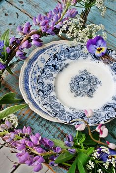 Vintage & Antique Blue/White Plates make a lovely setting (without the lavender flowers, please).