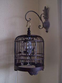 Zrobiłam lampę z klatki.