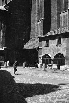Pl. Mariacki, kościół Mariacki - południowa elewacja Art Poses, Krakow, Still Life, Poland, Maine, Landscapes, Louvre, Building, Travel