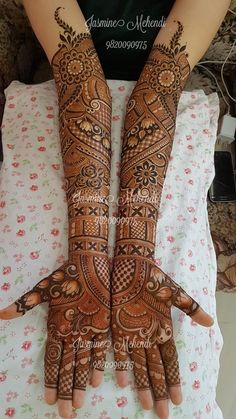 Bridal mehendi You will find different rumors about the real history of the wedding dress; tesettür First Narration;
