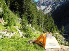 Tent View Glacier Basin / Monte Cristo Trail - Mount Baker