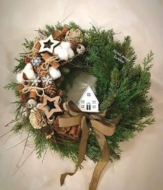 Cosy Christmas, Scandinavian Christmas, Christmas Crafts For Kids, Christmas Time, Christmas Wreaths, Holiday Door Decorations, Flower Decorations, Holiday Decor, Christmas Arrangements