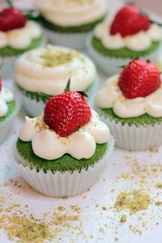 Spinach Cake Cupcakes with Lemon Buttercream Frosting - spinach creates the vivid color and kids will never know!