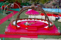 Chori Decoration in Ahmedabad – Sajavat Decorators providing customize theme wedding chori decoration with Mandap with flowers & clothing decoration. Desi Wedding Decor, Luxury Wedding Decor, Wedding Decorations On A Budget, Wedding Mandap, Wedding Ideas, Indian Wedding Stage, Outdoor Indian Wedding, Wedding Stage Design, Ahmedabad