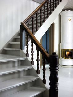 Mal den gamle trappen, den blir som ny for – Happy Homes Norge Discovery, Stairs, Homes, Staircases, Den, Happy, Home Decor, Stairway, Houses