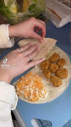 Mexican Food Recipes, Dinner Recipes, Comida Diy, Cooking Recipes, Healthy Recipes, Aesthetic Food, Food Cravings, Diy Food, Food Hacks