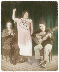 Manuel Vallejo y Niño Ricardo. Al baile, la Niña de los Peines. Sevilla, 1933.