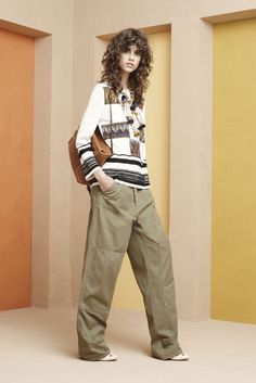 See the complete Tory Burch Resort 2016 collection.