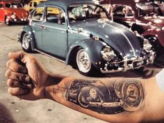 """207 tykkäystä, 1 kommenttia - VW TATTOO (@vwtattoogalery) Instagramissa: """"#vosvossevdasi #antvosder #vwtattoogalery #vosvos #vosvostv #vosvosturkey #travel #vosvostr…"""" Vw Tattoo, Car Tattoos, Sleeve Tattoos, Tatoos, Beetle Bug, Vw Beetles, Back Pieces, Future Tattoos, Buddhism"""