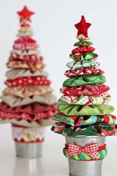 Yo-yo Christmas Trees are Easy and So Much Fun Quilting Digest Yo-yo Trees Fabric Christmas Ornaments, Felt Christmas Decorations, Christmas Tree Crafts, Holiday Crafts, Homemade Christmas Tree, Quilted Ornaments, Xmas Tree, Holiday Decor, Black Christmas