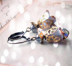 Brown Blue Shabby Flower Ohrringe Kristall von shadowjewels auf Etsy