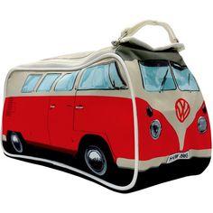 En las furgonetas Volkswagen, tanto antiguas como modernas, cabe de todo: la pareja, hijos, amigos, mascotas, comida, bicicleta, accesorios de acampada, ropa, herramientas... y en este neceser también podrás llevas todo a todas partes pero siempre con el simbolito de VW delante en el frontal de la furgoneta.
