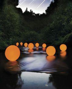 Barry UnderwoodLIGHT ART INSTALLATION + LIGHT DESIGN + LICHTKUNST