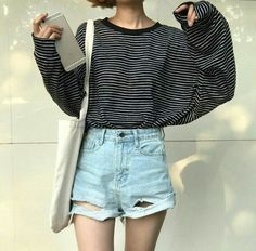 17 Minimalist Fashion Outfits to Copy This Season - Fashiotopia Korean Fashion Casual, Korean Fashion Trends, Korean Street Fashion, Korean Outfits, Asian Fashion, Korean Casual, Hip Hop Outfits, Hipster Outfits, Mode Outfits