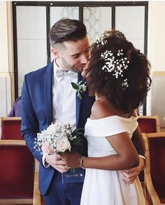 Keep calm and love interracial couples. Wedding Goals, Wedding Beauty, Wedding Humor, Wedding Bride, Wedding Shot, Wedding Cake, Interracial Couples, Interracial Wedding, Funny Wedding Photos