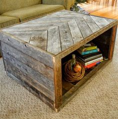 Pallet coffee table house pallet home decor, pallet, diy furniture. Pallet Furniture, Furniture Projects, Rustic Furniture, Outdoor Furniture, Pallet Designs, Pallet Ideas, Pallet Crafts, Pallet Projects, Woodworking Projects
