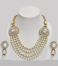 Pearl Jewelry Set Studded With Stones