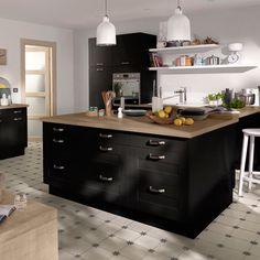 La cuisine se veut de plus en plus déco et conjuguent parfois plusieurs couleurs et matières. Lorsqu'elle arbore un coloris noir et des éléments en...