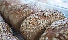 Spis saftig havrebrød hver dag | Oppskrift | EXTRA Norwegian Food, Pastry Cake, Bread Baking, Bread Recipes, Side Dishes, Sandwiches, Food And Drink, Lunch, Dinner