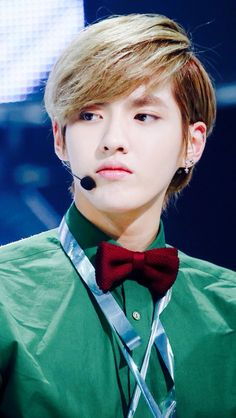 Exo kris #husband>>> HE LOOKS SO FUCKING FINE, LIKE THAT HAS TO HAVE BEEN HIS BEST HAIRSTYLE OMFG....i'm done now.