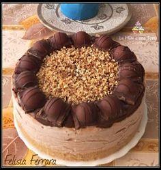 Una Cheesecake davvero golosa, farcita con crema al mascarpone e Nutella e decorata con Duplo in pezzi. Squisita ed originale
