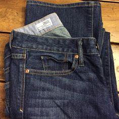 GAP curvy jeans Excellent condition. GAP curvy jeans GAP Jeans Boot Cut