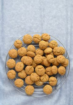 Cookies with Buckwheat flour, Almond, Turmeric and other Spices Buckwheat Recipes, Almond Flour Recipes, Diabetic Recipes, Dog Food Recipes, Greek Recipes, Paleo Flour, Biscuit Bar, English Food, Breakfast For Kids