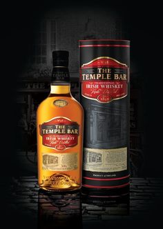 The Temple Bar Traditional Irish Whiskey on Packaging of the World - Creative Package Design Gallery