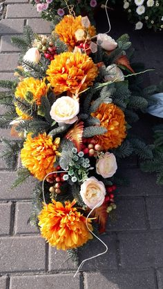 Cemetery Flowers, In Loving Memory, Fall Flowers, Ikebana, Funeral, Flower Arrangements, Floral Wreath, Projects To Try, Wreaths