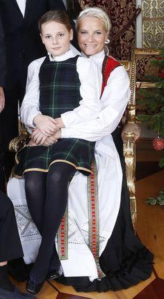 księżniczka Ingrid Alexandra i KK Norwegii Mette-Marit - 17.12.2014r.
