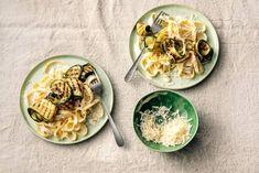 Voor deze romige pasta heb je maar 5 ingrediënten nodig. Ideaal!