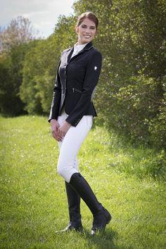 b35beb3d46 87 fantastiche immagini su Abbigliamento equitazione da concorso nel ...