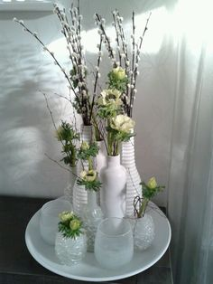 Best European style homes revealed. Diy Flowers, Spring Flowers, European Style Homes, Deco Nature, Inexpensive Home Decor, Deco Floral, Easter Table, Deco Table, Calla Lilies