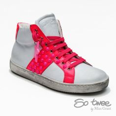 #SOTWEE by #missgrant WHITE AND FUCSIA HIHG-TOP SNEAKER. Sale 50% off Spring&Summer Collection! #discount